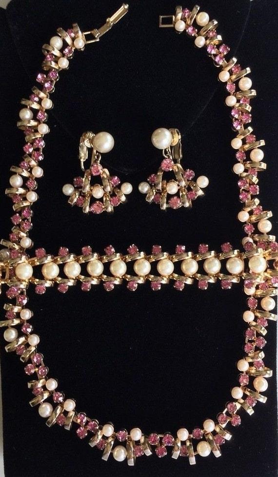 Lovely Vintage Kramer Necklace Bracelet & Earrings