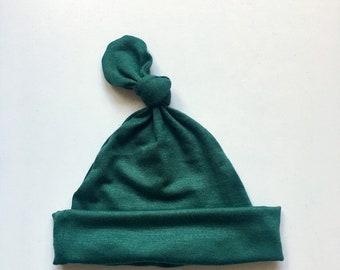 Bébé chapeau noeud en « Carter » Hunter Green, cadeau pour bébé garçon,  cadeau de bébé fille, chapeaux pour nouveau-né, bonnet bébé, bébé garçon et  fille ... 14d7a2d1ee5