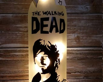 Daryl the Walking Dead Lighted Wine Bottle lamp/gift/bar/birthday/comic book/decoration/glass