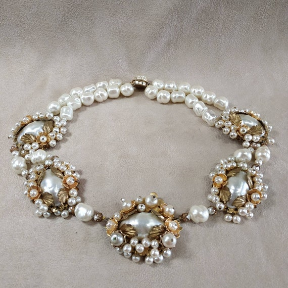 Vintage Coro pearl statement necklace