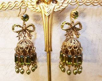 Askew London Bow Earrings Chandelier Green Pearl Glass Gold unsigned