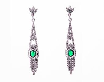 Art Deco Emerald Green earrings Articulated