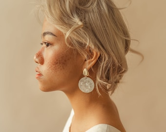 Edessa earrings - Statement. Handmade. Modern. Minimalist. Classic. Feminine. Women. Fashion. Casual. Everyday wear. Dangling. Gold. Resin.