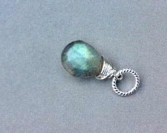 Blue Flash Labradorite Pendant, Labradorite Necklace, faceted  Labradorite briolette,  sterling silver, natural gemstone