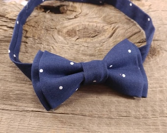 Navy polka dot bow tie. Toddler Navy Bow. Navy and White Polka Dot Boys Bow Tie. White Polka Dot Bow Tie. Velcro Bow Tie. Clip On Bow Tie
