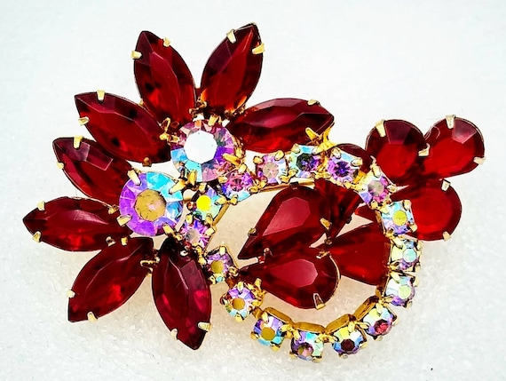 Very Fine Quality! ON SALE Bold Red and Icy Crystal Rhinestone Brooch