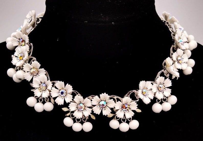 ON SALE Adorable White Flowers With Aurora Borealis Rhinestones and Dangly White Beads Necklace!