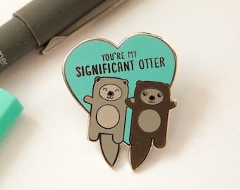 Otters harde glazuur Pin - belangrijke otter woordspeling, vriend vriendin man vrouw cadeau, schattige revers speld, pin badge, Valentijn geschenk pin spel