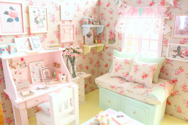 Doll Bedroom Diorama U003du003du003du003du003dFlowery Spring U003du003du003du003du003dOOAK Lati/Pukifee/Middie  Blythe/Odecco/Nikki/MonsterHigh/Licca/Enyo