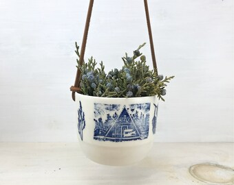 Cactus Hanging Gardener - White - Pedalo 88 / Chalet