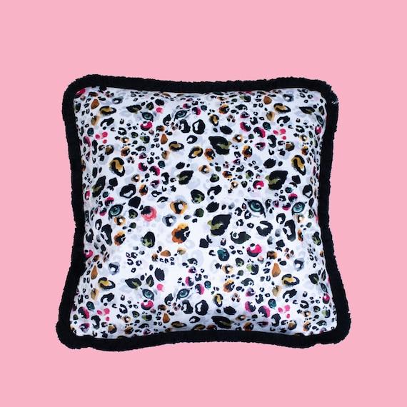 Lazy Leopard  - Luxury velvet cushion cover