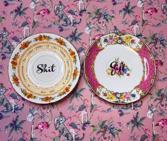 Pair decorative wall hanging plates - Shit Gift