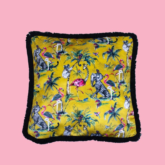 Mustard Chimiracle - Luxury velvet cushion cover