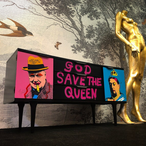God Save The Queen sideboard