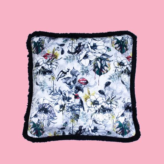 Furtiva - Luxury velvet cushion cover