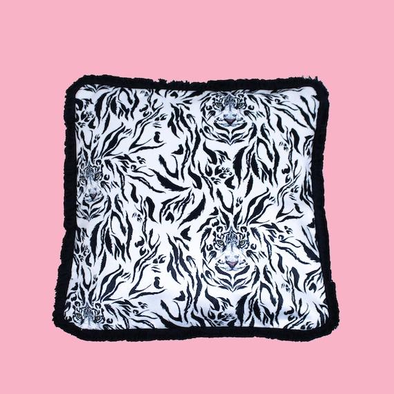 Easy Tiger - Luxury velvet cushion cover