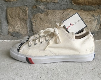 promo code cf2fc 3de16 Vintage anni 1990 Mens Pro KEDS tela bianca bassa Top SNEAKERS Scarpe  taglia 9 NOS mai indossato + Tag Nike Adidas Converse Jack Purcell