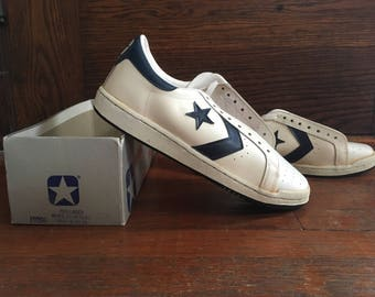 daed1f6f184e Vintage 1970s 1980s Mens CONVERSE One Star White   Blue Leather Low Top  SNEAKERS Shoes Size 10.5 NOS Deadstock + Box Chuck Taylor Jack