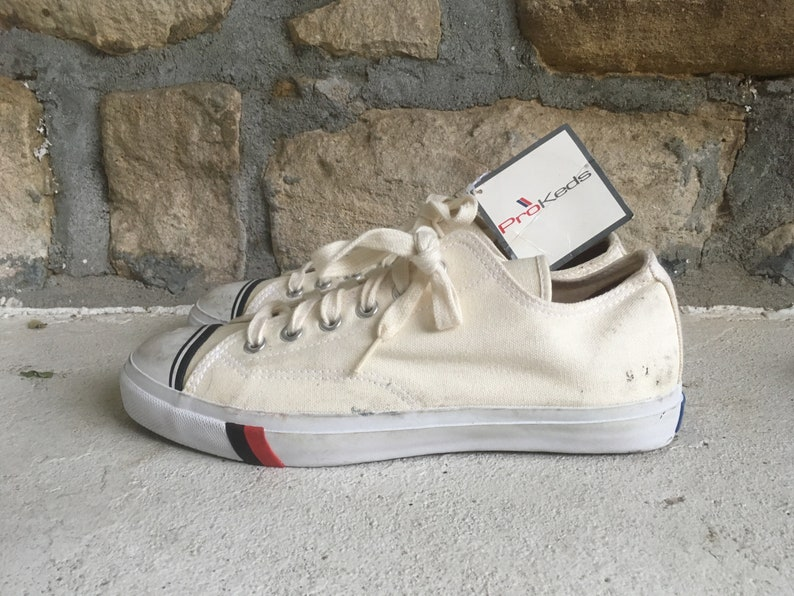6d80ae3eabd1 Vintage 1990s Mens Pro KEDS White Canvas Low Top SNEAKERS