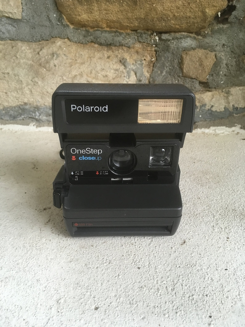 ad371617a Vintage POLAROID 600 One Step Close Up Instant Film CAMERA   Etsy