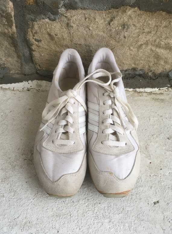 Vintage 1980s Womens ADIDAS White Trefoil 3 Stripe Leather Low Top SNEAKERS Tennis Shoes Size 7.5 Nike Superstar Stan Smith Converse Tennis