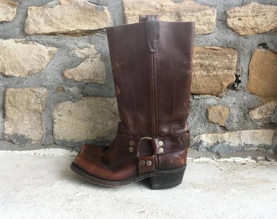 Vintage 1970s Womens Distressed Brown Leather Engi
