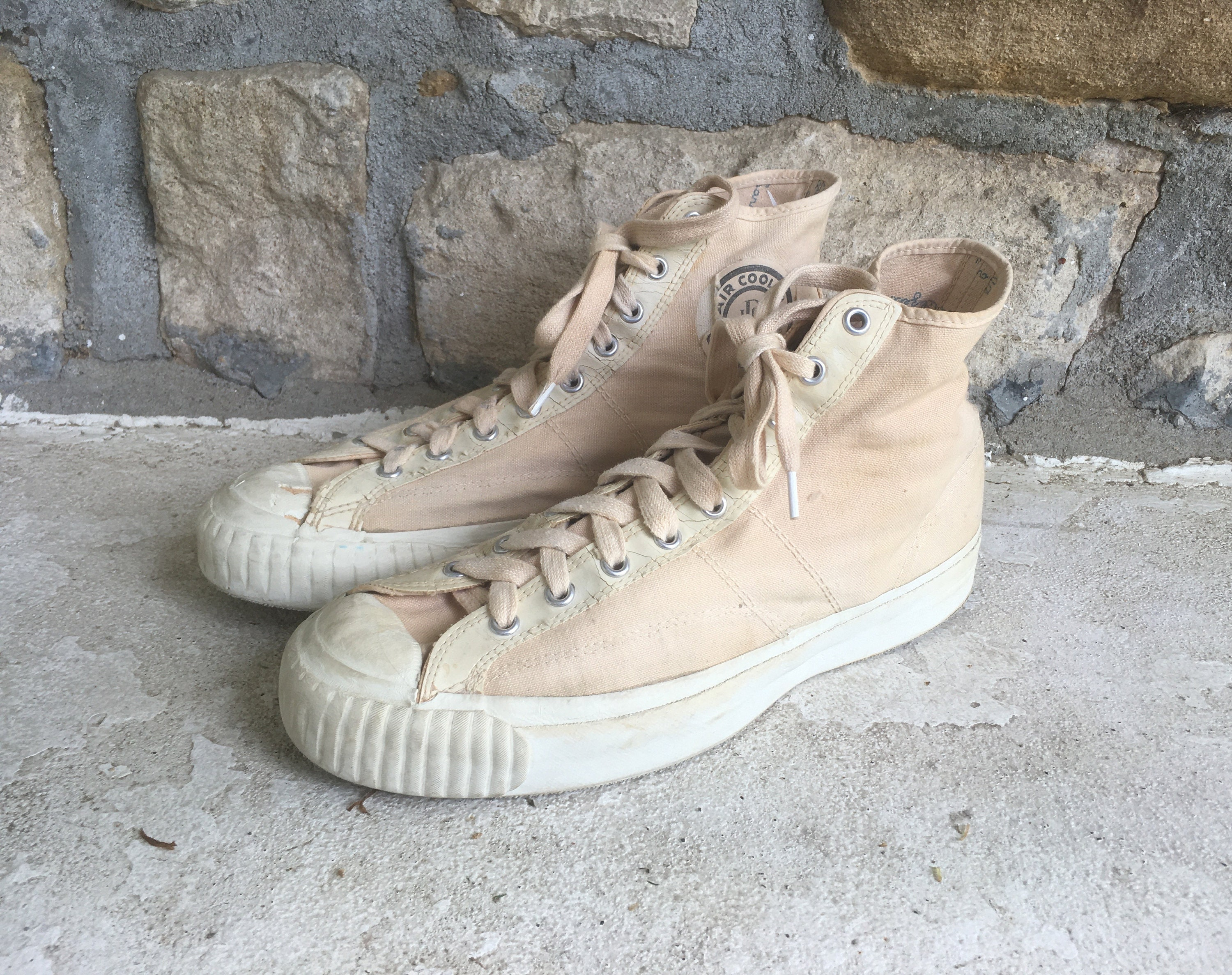 1950s Mens Hats | 50s Vintage Men's Hats Vintage 1950S 1960S Mens Jc Penneys Air Cooled White Canvas High Top Usa Made Sneakers Tennis Shoes Size 9.5 Sanitized $135.00 AT vintagedancer.com