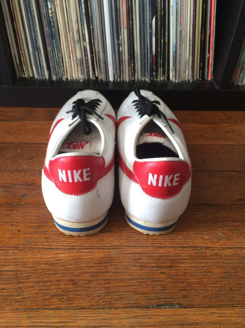 new style 8748e 0783a Vintage 1980s Mens NIKE BRUIN White   Red Swoosh Leather   Etsy