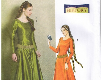 Historical Renaissance Medieval Back Lace Up Wedding Dress Gown Belt Train Butterick 4827 Costume Sewing Pattern Plus Size 14 16 18 20