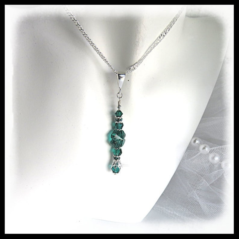2445 St. Patricks Day shamrock necklace green shamrock image 0