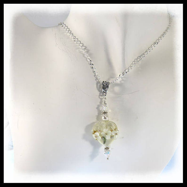 2397 White floral necklace White heart necklaces wedding image 0