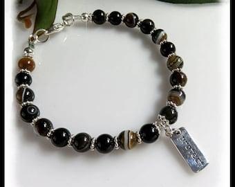 2164, Green Agate Charm Bracelet, Protect charm, Green Charm Bracelet, Protect Charm Bracelet, stress relief gemstone, Green gemstones,