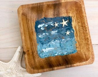 Beach Ring Bowl - Ocean Ring Dish - Seascape Ring Dish - Trinket Dish - Square Ring Bowl - Resin Art Bowl - Acacia Wood - Real Starfish