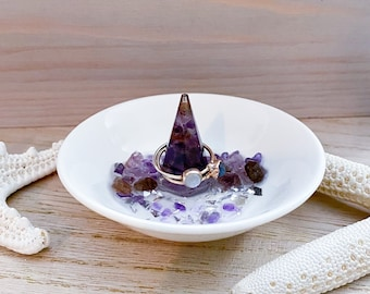 Gemstone Ring Bowl - Amethyst Stone Chips - Crystal Ring Dish - Ring Tray - Trinket Dish - Resin Art Bowl - Ring Holder - Crystal Home Decor