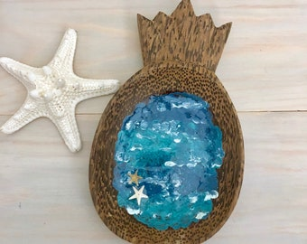 Pineapple Ring Dish - Ocean Ring Bowl - Beach Ring Dish - Pineapple Bowl - Trinket Dish - Resin Wood Art - Acacia Wood - Real Starfish