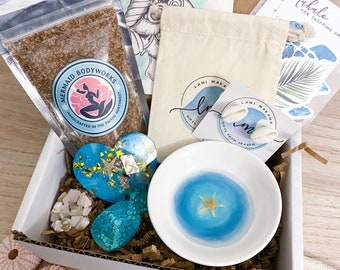 Beach Gift Box - Resin Ring Bowl, Cowrie Stud Earrings, & Resin Magnet Set - Beach Bridesmaid Gift - Coastal Jewelry Gift Set - Beach Lover