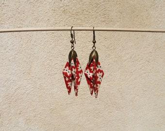 Earring origami red flower