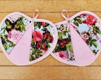 Set of two  Roses handy heart potholders