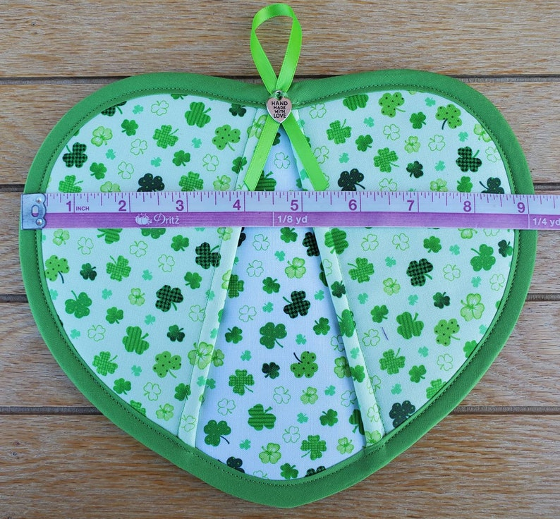 Set of two handmade two toned St Patrick/'s Day clover heart shaped potholders