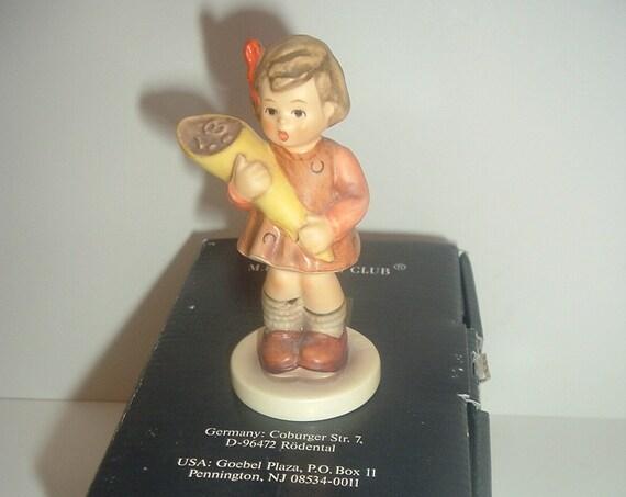 Hummel HUM 144 A Sweet Offering Girl Figurine