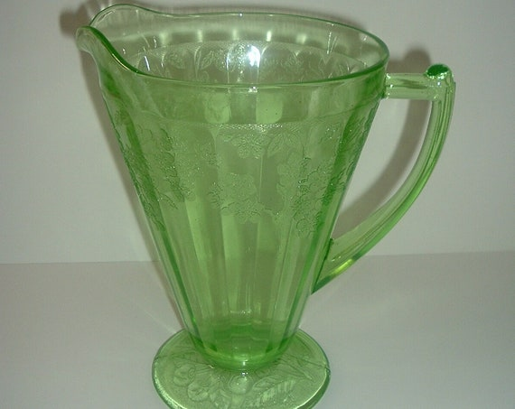 Jeannette Cherry Blossom Depression Glass Footed Pitcher