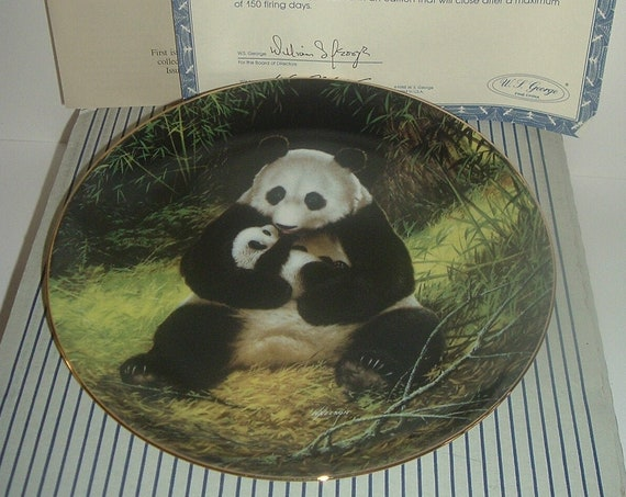 Panda Plate Last of Their Kind Endangered Species 1st Issue w Box and COA