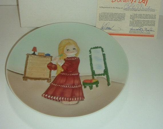 Dorothys Day Brand New Day Plate 1980's with Box COA