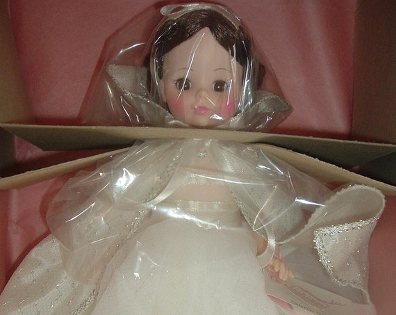 Madame Alexander Snow White 1555 Doll in Box Vintage