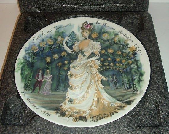 D Arceau Limoges Sarah en tourmure la femme tentation 1875 Fashion Women of the Century Plate w Box