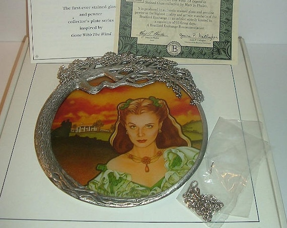 1994 1st Issue GWTW Scarlett Radiance Legend in Stained Glass Plate w COA and Box