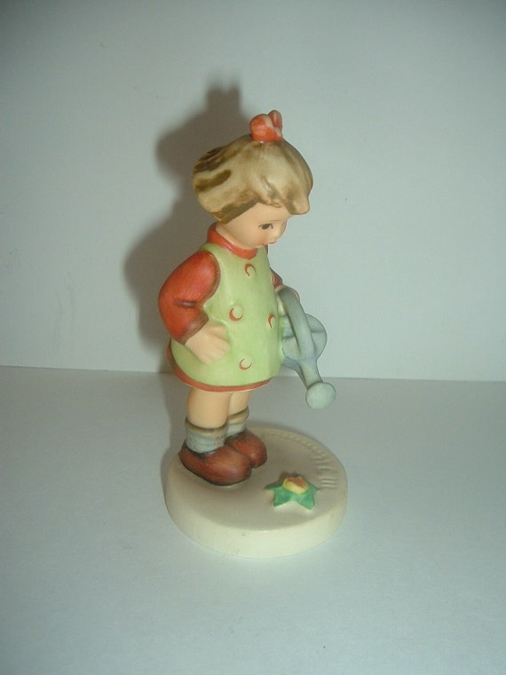 Hummel HUM 74 Little Gardner Girl Figurine