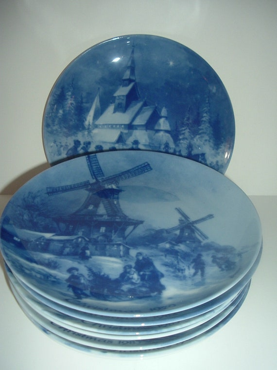 8 Berlin Blue China Christmas Plates