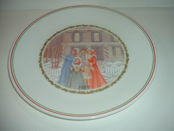 Corelle Corning Christmas Plate 1989