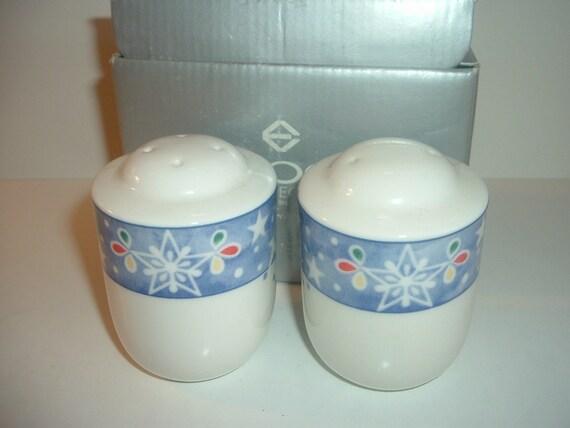 Noritake Epoch Mr Snowman Salt and Pepper Shakers Set in Box